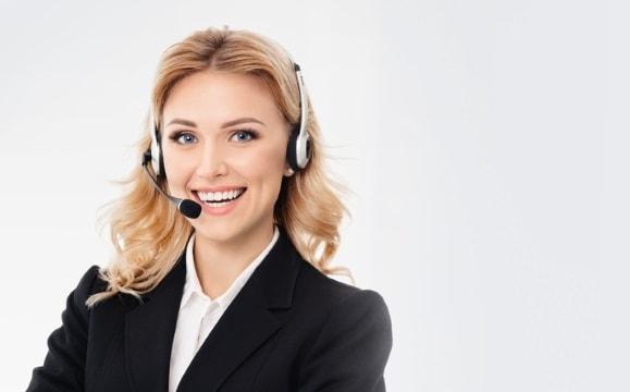 Bild mit Frau für den Kundenkontakt